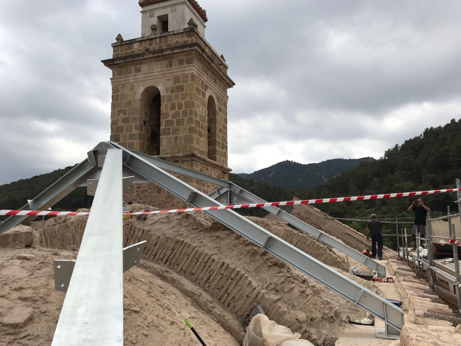 Estructura de nueva cubierta en Iglesia histórica